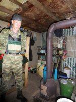 Жизнь заставила москвича юриста жить дикарем в лесу