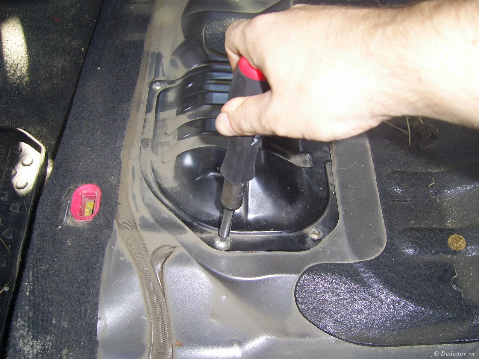 Замена топливного фильтра Mitsubishi Outlander